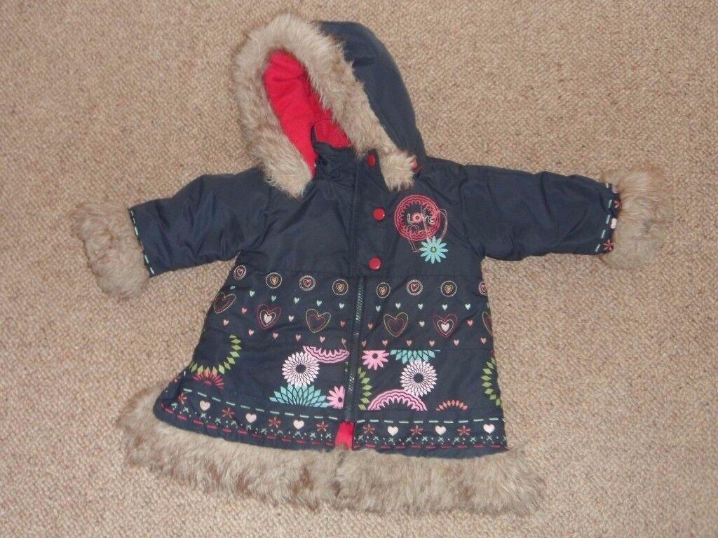 Girls Coat Vive le Vent, blue, hooded embroidery design, fur trim 12 months VGC