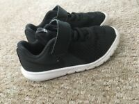 Black Nike Trainers size 8.5
