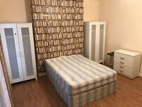 --- Huge STUDIO flat available now--- Zone 2 only £225pw with all bills included