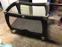 Baby travel cot