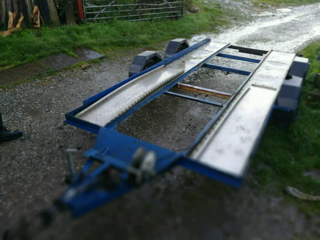 Twin wheel car transporter trailer