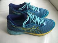 Asics Dynaflyte unisex Running trainers size 6.5/40