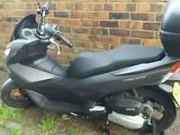 Honda PCX 125cc - still under warranty