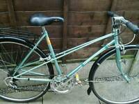 RETRO LADIES RALEIGH SILHOUTTE, ,ROAD BIKE, TOWN BIKE, 700 WHEELS,,