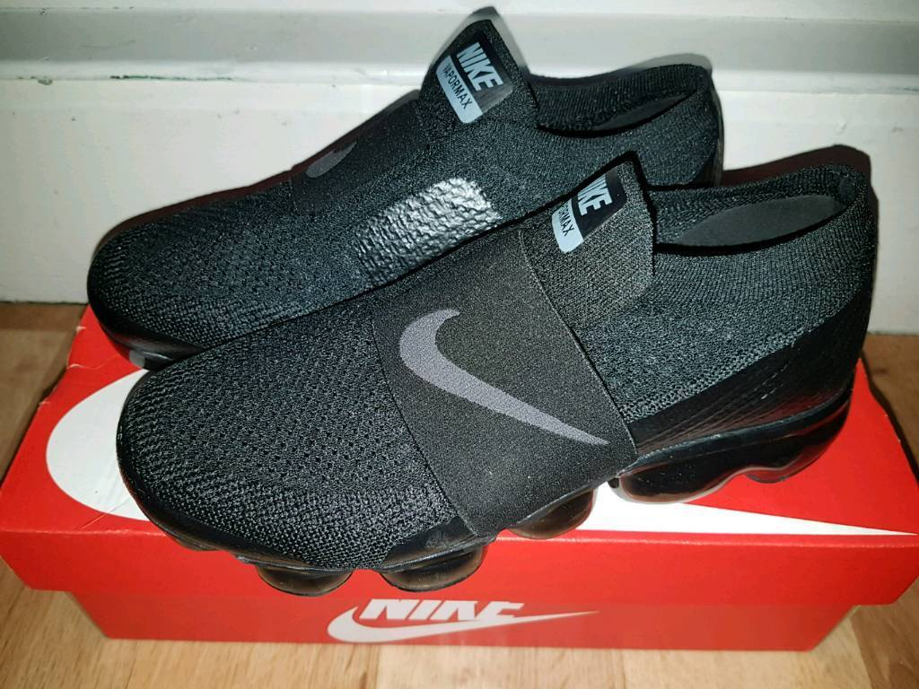 be7a020131d Nike Air VaporMax Flyknit Moc 2 Unisex Running Shoe