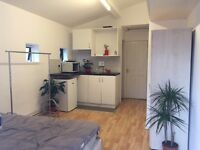 Self contained Live/Work studio-All Bills Included-Couples Welcome-Warehouse Community-24hr tube!!!