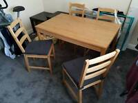 Dinning table/4 chairs