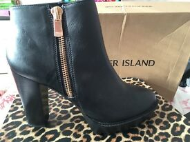 River Island Boots - BRAND NEW - Size 7
