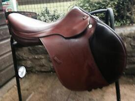 Prestige Event saddle 17 inch brown