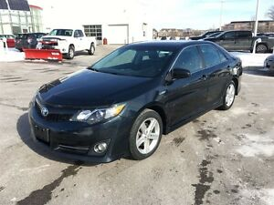 2014 Toyota Camry Hybrid SE, Toyota Certified and Ready to Go!