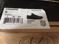 Converse never worn size 7