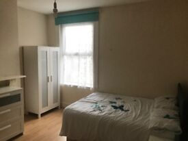 Newly furnished house with a double room to rent, with living room and garden