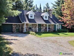 317 000$ - Maison 2 étages à vendre à Rock Forest
