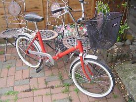 vintage folding shopper bike ( 1980 }