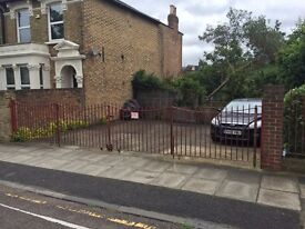 WIRELESS PARKING AVAILABLE SECURED / GATED CAR PARKING SPACES ENDYMION ROAD / GREEN LANES