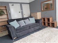 FLAT - NO DEPOSIT - NO FEES ... Some Bills Included