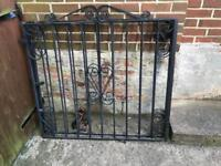 2 Metal Gates in good condition
