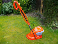FLYMO ELECTRIC MOW N VAC COMPACT HOVERMOWER LAWNMOWER IDEAL FOR THE SMALLER LAWN, GWO