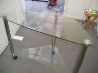 GLASS CORNER TABLE/TV STAND