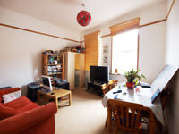 A huge split level 1/2 double bedroom flat with spiral staircase between Finsbury Park & Archway