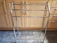 Towel rack chrome great condition