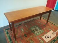 **LONG DINING TABLE**