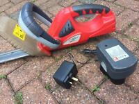 Performance cordless hedge trimmer