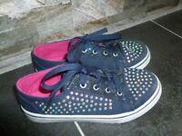 Canvas blue shoe size 1