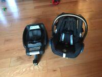 Maxi Cosi car seat and base with newborn insert