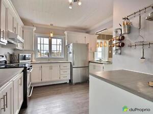 150 000$ - Maison 2 étages à vendre à Rimouski (Le Bic)