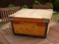 WOODEN CRATE HEAVY DUTY 21 INCHES SQUARE X 10 INCHES DEEP