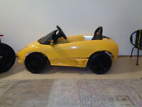 Lamborghini childrens electric car - hardly used