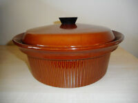 Large Ceramic Casserole Dish 22cm x 12cm with Lid