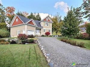524 000$ - Maison 2 étages à vendre à Lac-Brome