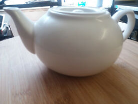 New White Porcelain Teapot