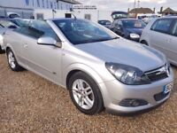 Vauxhall Astra 1.8 i Sport Twin Top 2dr Petrol Manual, 1 FORMER KEEPER. LADY OWNER. LOW MILEAGE
