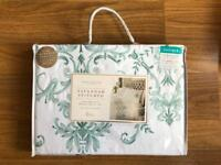 BRAND NEW SAVANNAH STITCHED DELUXE DOUBLE DUVET SET
