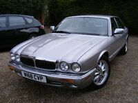 2000/W JAGUAR XJ8 3.2 V8. Genuine 71,000 miles . FSH.