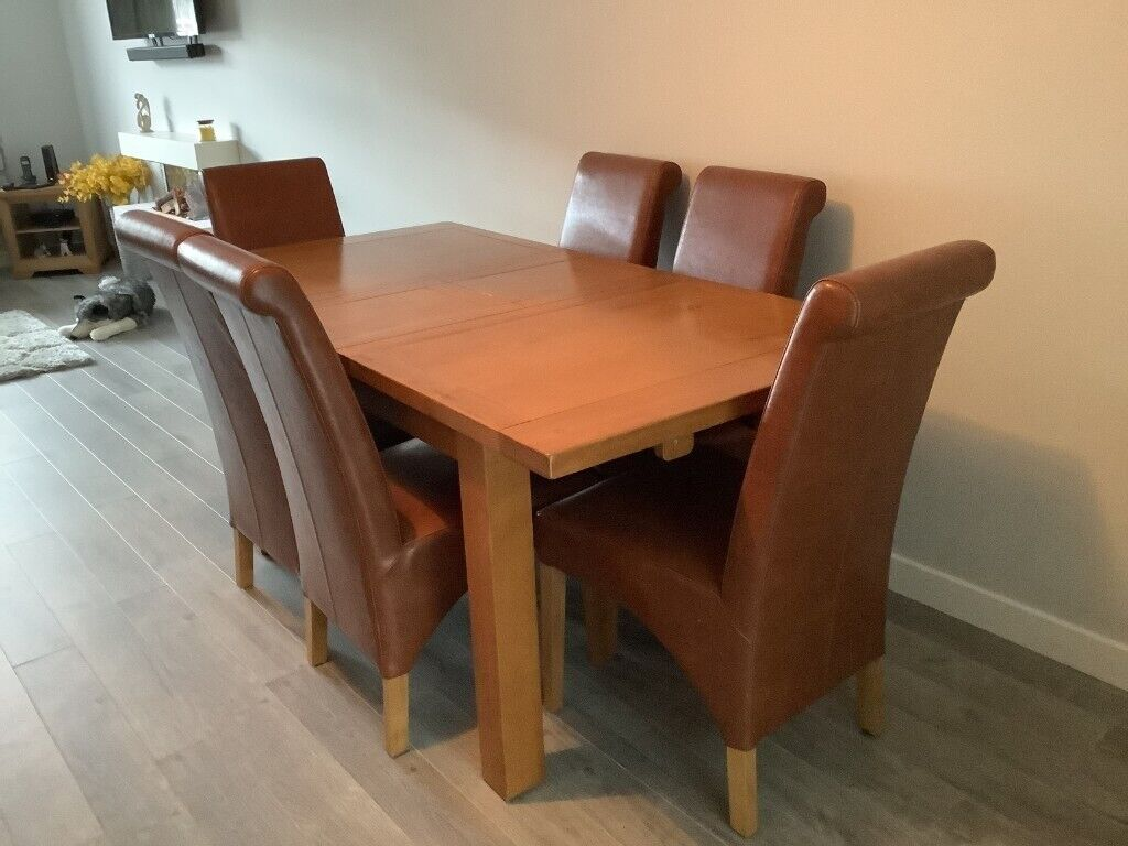 Dining Table and 9 Chairs   in Neilston, Glasgow   Gumtree