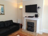 A Fully Furnished Professional Room Available Walking Distance To Exeter City Centre
