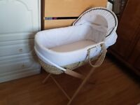 Aldi's Mamia Moses Basket With Stand