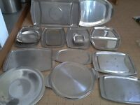 13 x Stainless steel trays & 2 meat drainers