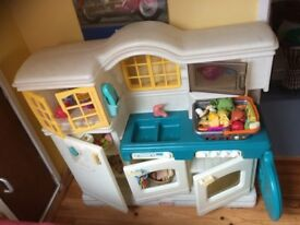 Little Tikes Playkitchen, used, good contition