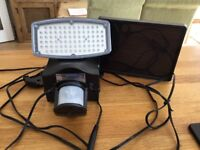 SOLAR LIGHT SMALL IDEAL FOR GARAGE OR SHED