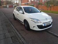 FOR SALE 2011 61 REG RENAULT MAGANE PZAZ 1.6 PETROL 5 SPEED MANUAL 5DR IN WHITE. VERY LOW MILEAGE