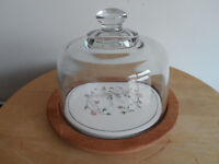 JOHNSON BROTHERS ETERNAL BEAU GLASS CHEESE DOME WITH WOODEN BASE