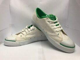 DUNLOP GREEN FLASH PUMPS / TRAINERS - SIZE 9