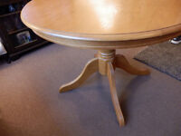 Lovely Hardwood Kitchen/Dinning Table beautiful solid wooden well made table in lovely condition