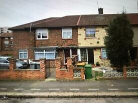 3 bed house field road E7 9dl