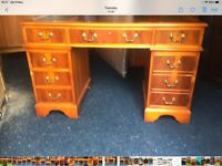 GREAT LOOKING CAPTAINS DESK